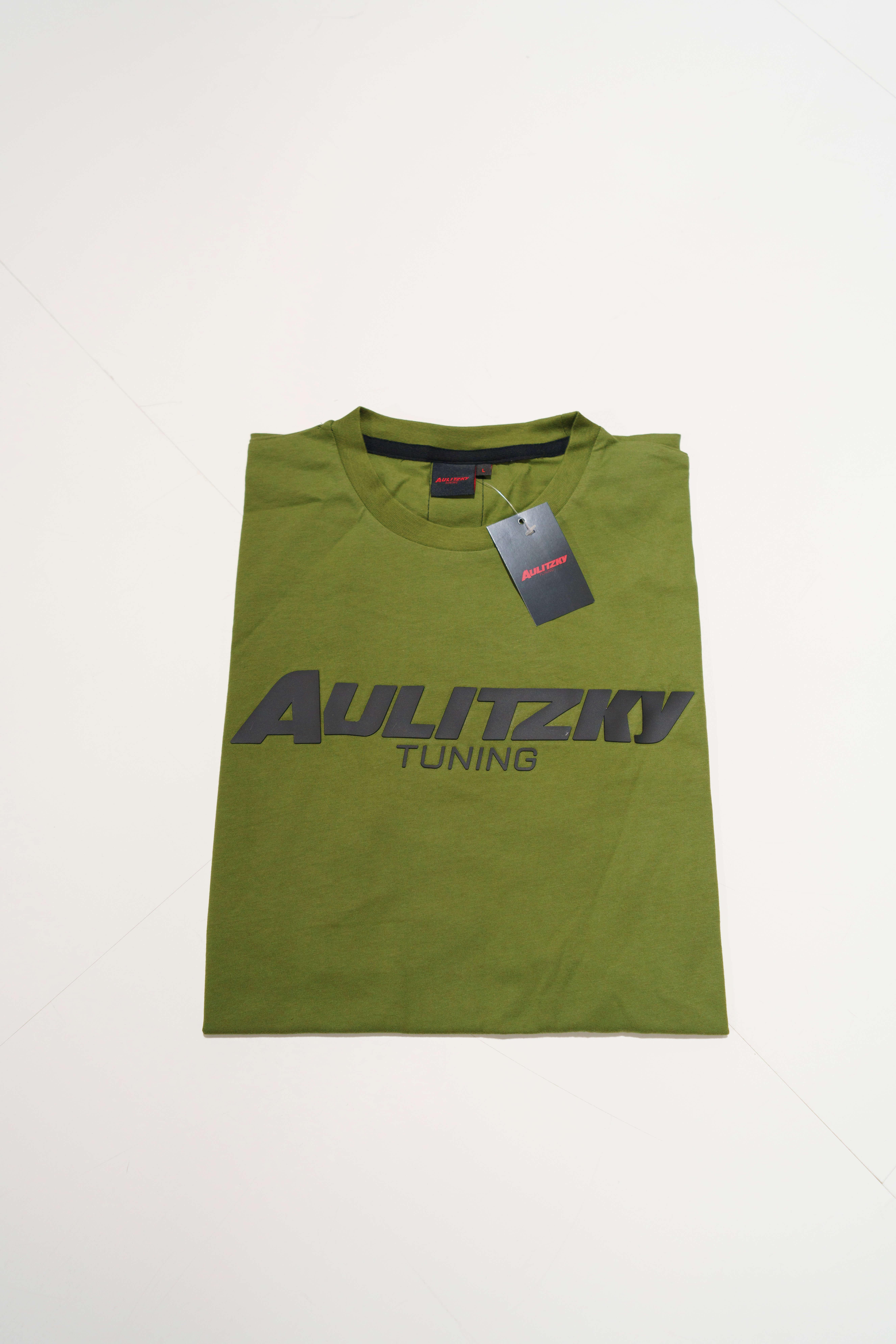 Aulitzky Tuning T-Shirt olivgrün mit Gummi-Badge